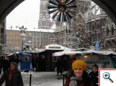 Jill  in Marienplatz, beneath the arch in Old Town Hall